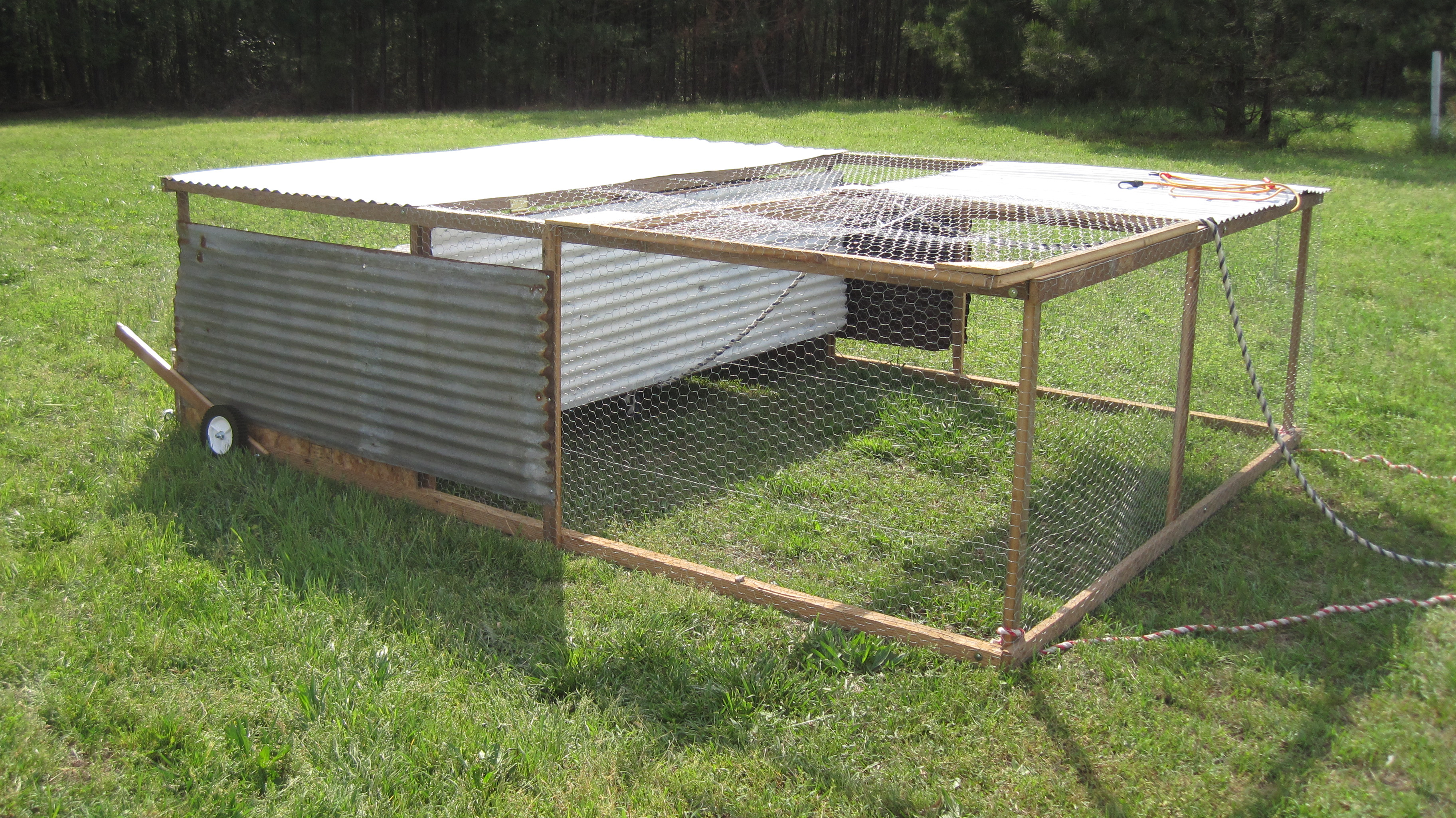 Portable chicken pens gone farming for Portable chicken coop on wheels